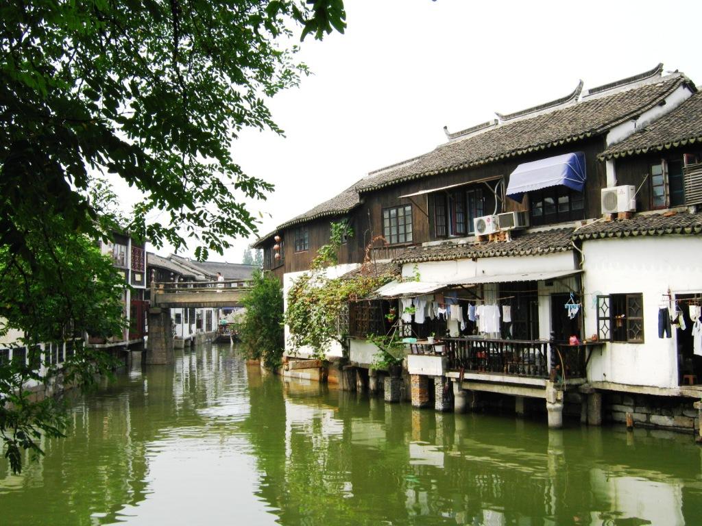 Старинные дома в Zhujiajiao River Town