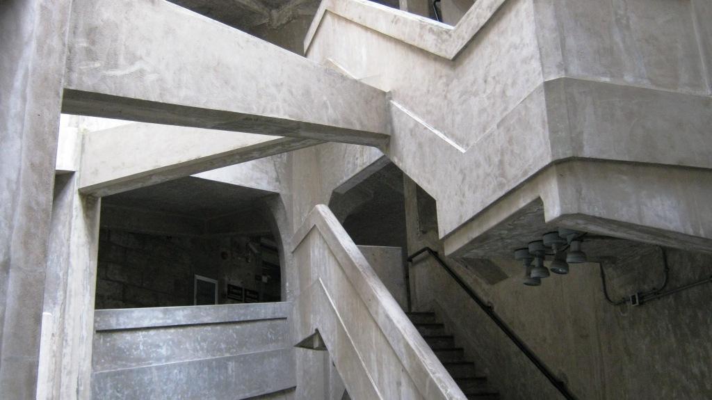 77-летнее здание бывшей скотобойни в Хонкоу ныгне отреставрировано и сдается в аренду арт-галереям,  мастерским, дизайнерским офисам, бутикам и ресторанам