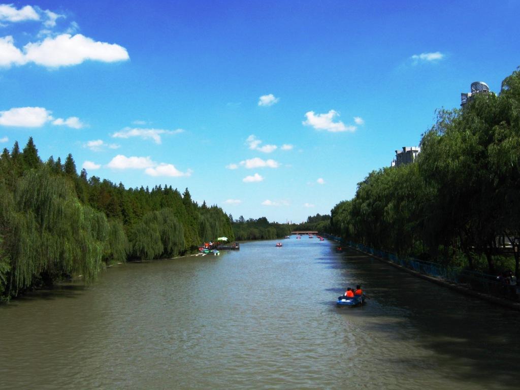 катание на лодках в Century Park Шанхай