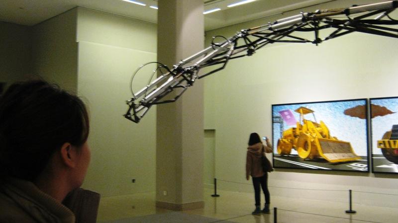 Китайская Национальная Арт-Галерея (The China National Art Gallery, или Meishuguan) содержит крупнейшую в стране коллекцию работ китайского современного искусства