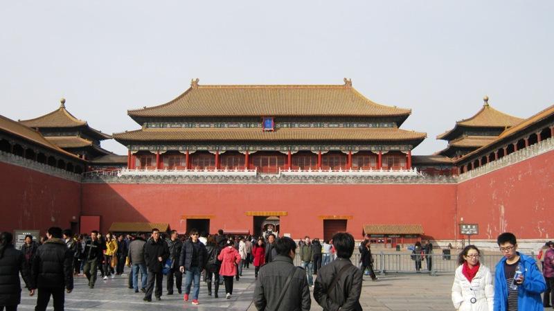 С этого балкона император обозревал свои войска и руководил церемониями: