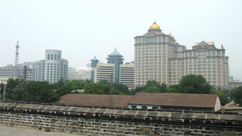 На защитную башню, носящую название Southeast Corner Watchtower, можно подняться наверх и посмотреть на город сверху